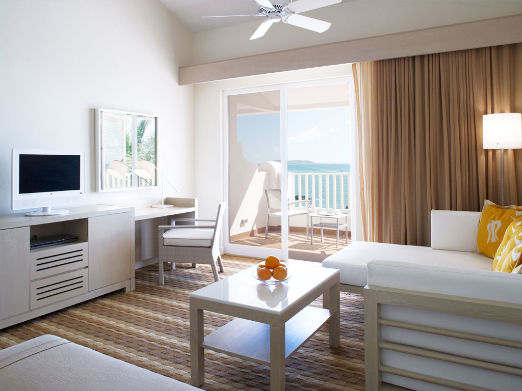 la-marina-guestroom-1024x768