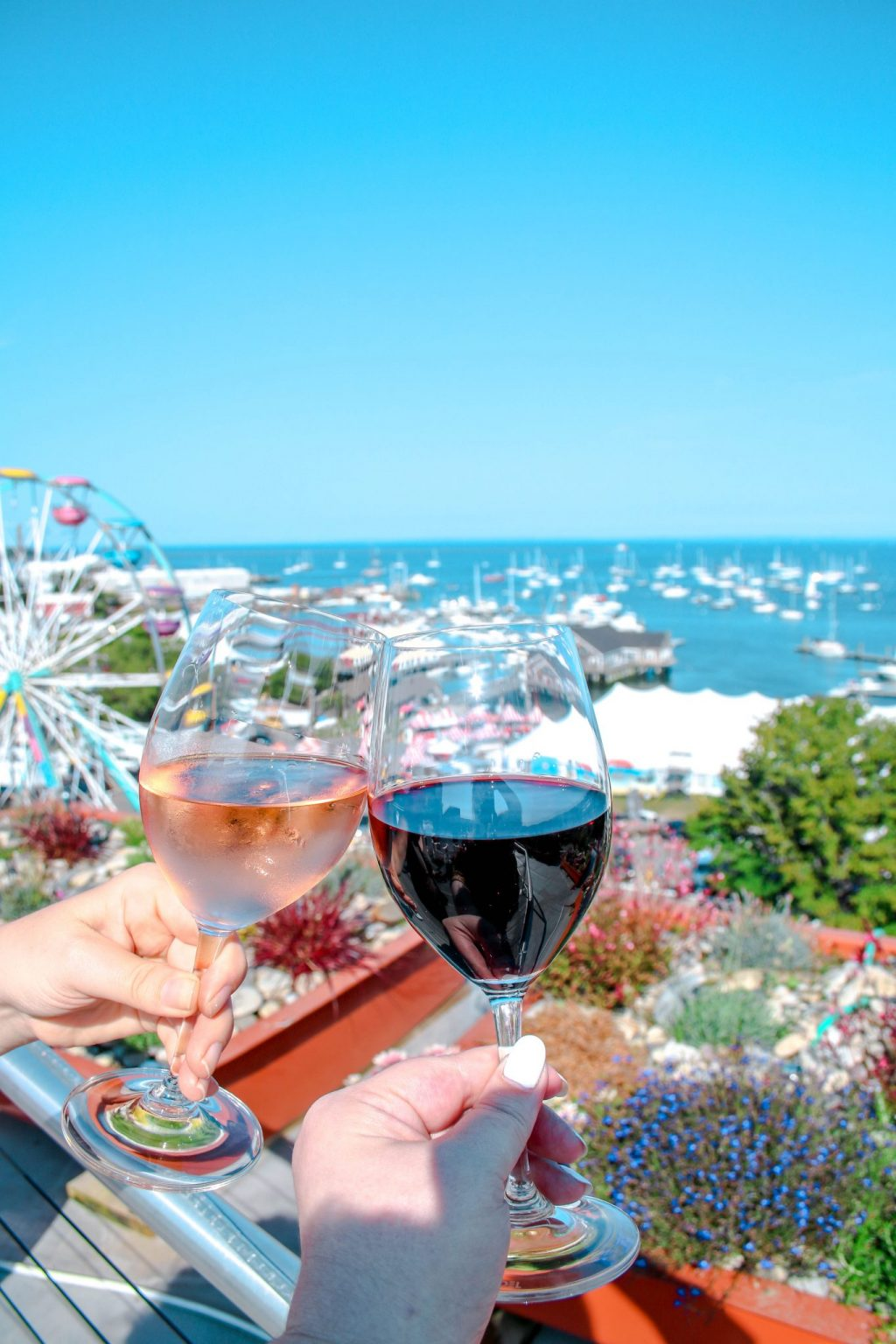250 Maine Hotel offers a free wine hour each day.